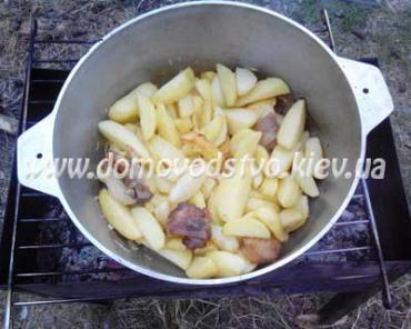 Картошка с салом в казанк...